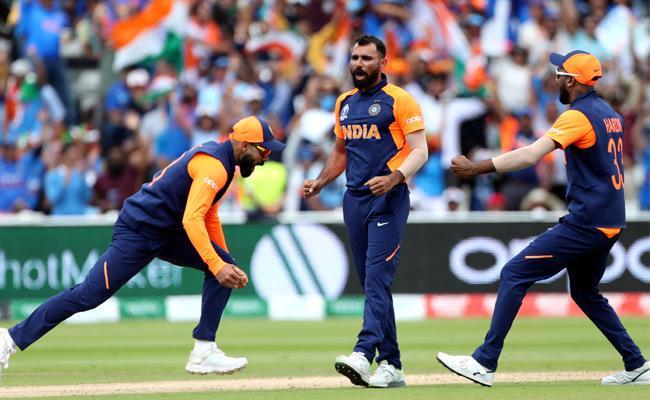 India fight back after Shami Attack - Sakshi