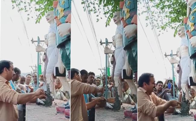 Alla Ramakrishna Reddy Repaired Gandhi Statue - Sakshi