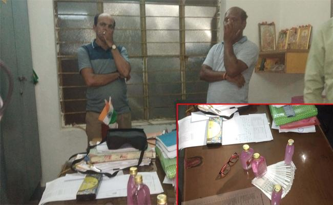 Airport Constables Caught Bribery Demand in Visakhapatnam - Sakshi
