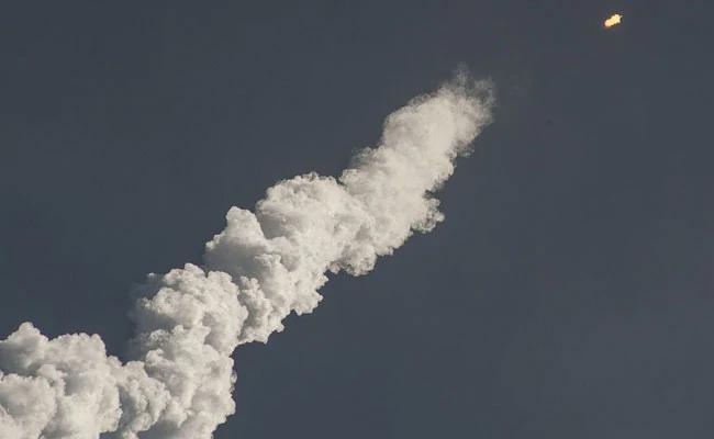 China Launches Rocket From Ship - Sakshi