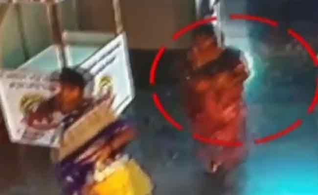 Baby Kidnapped From Nellore Government Hospital - Sakshi
