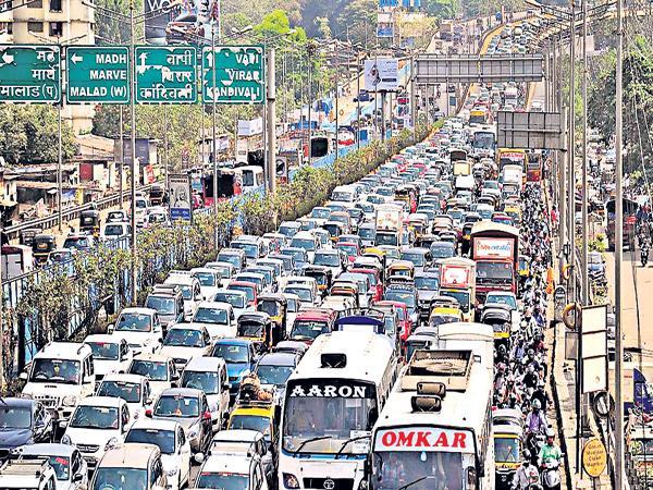 Traffic jams are high at Mumbai In the world - Sakshi