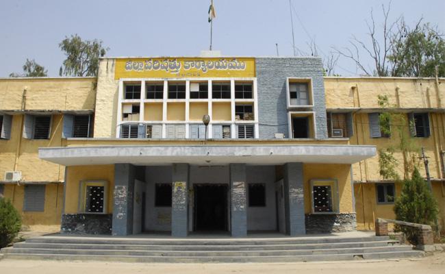 ZPTC Office Shortage In Adilabad - Sakshi
