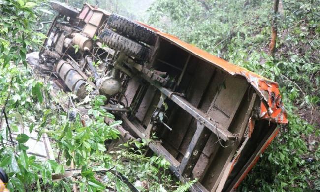 8 Indians among 17 killed in fatal bus crash in Dubai - Sakshi