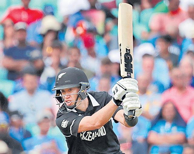Kane Williamson pulls up New Zealand batsman following edgy  - Sakshi