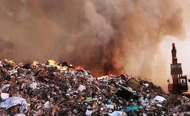 Fires In Dump Yards Karimnagar - Sakshi