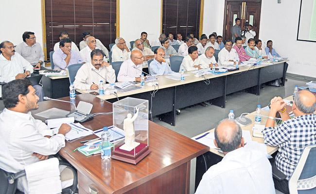 Investigation with Third Party on Corruption in Projects Says YS Jgan Mohan Reddy - Sakshi