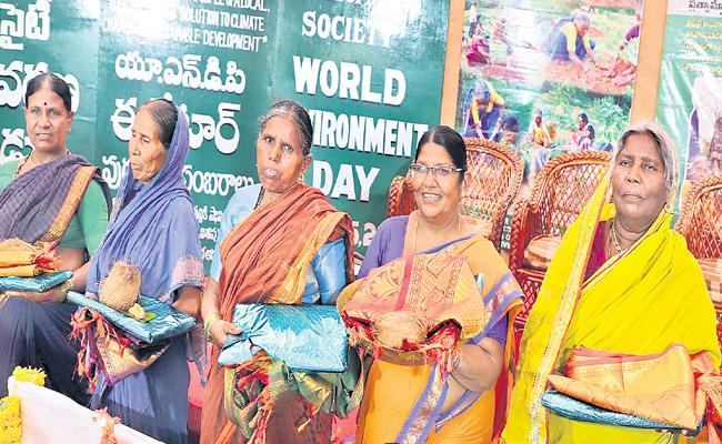 6 womens who won the Equator Prize - Sakshi