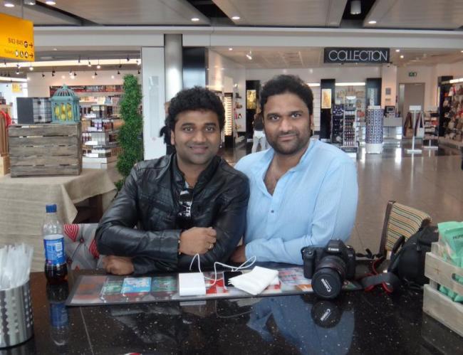 Singer Sagar Is Dialogue Writer To Rakshasudu Movie - Sakshi