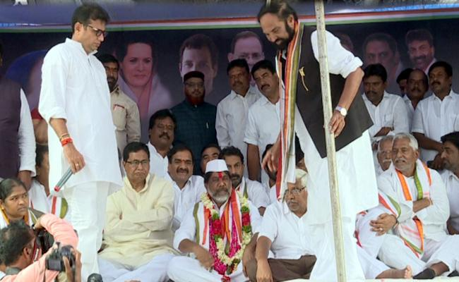 Bhatti Vikramarka Mallu Fires On CM KCR - Sakshi