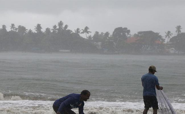 South West Monsoon Touches Kerala Today - Sakshi