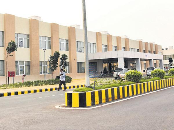 AP CM YS Jagan Mohan Reddy To Secretariat Today - Sakshi