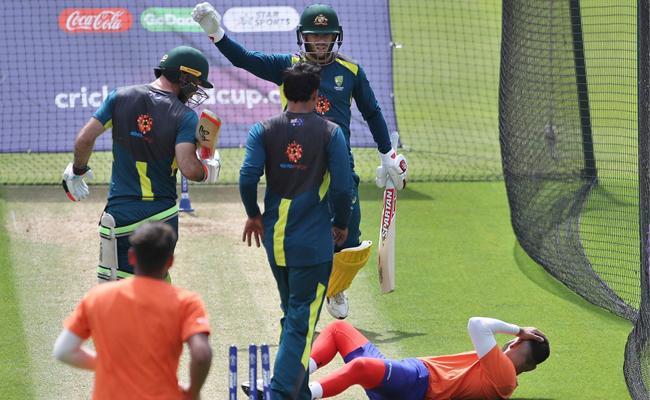 David Warner shaken up after shot sends net bowler to hospital with head injury - Sakshi