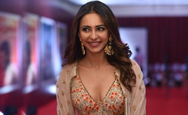 Rakul Preet Singh To Act in Vijay 64 - Sakshi