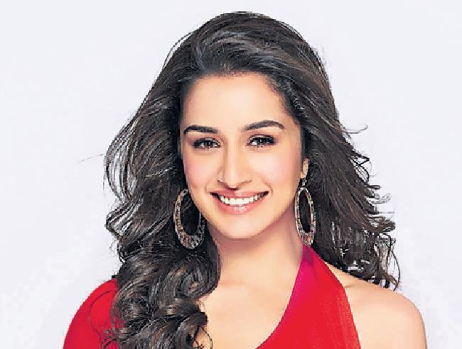 Shraddha Kapoor jets off to Hyderabad for shooting of  Saaho - Sakshi