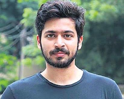 Harish Kalyan to star in Vicky Donor Tamil remake - Sakshi