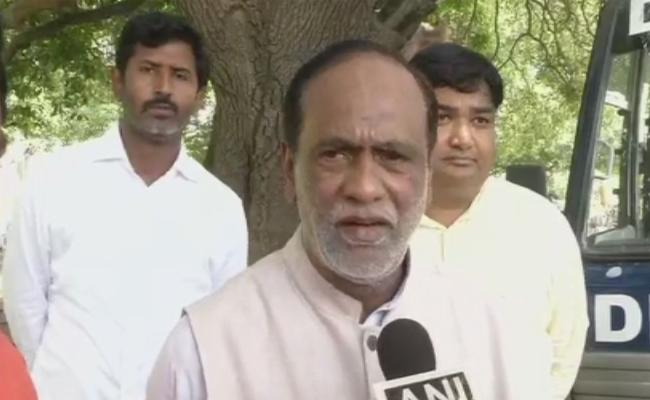 BJP Leaders Complaint To President Of India On Inter Students Suicide Issue In Telangana - Sakshi