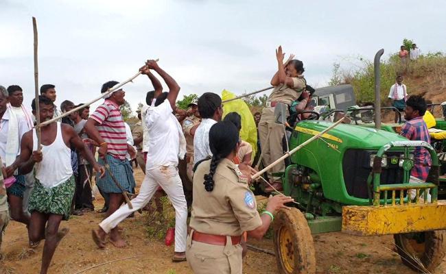 Koneru Krishna Attack On Women Forest Officer in Sirpur - Sakshi