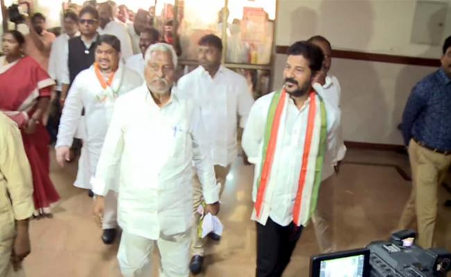 Revanth Reddy Fires On CM KCR - Sakshi