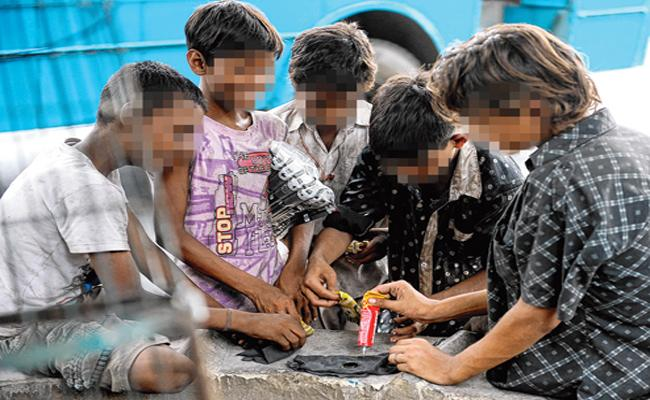 School Childrens Addicted To Drugs In Medak - Sakshi