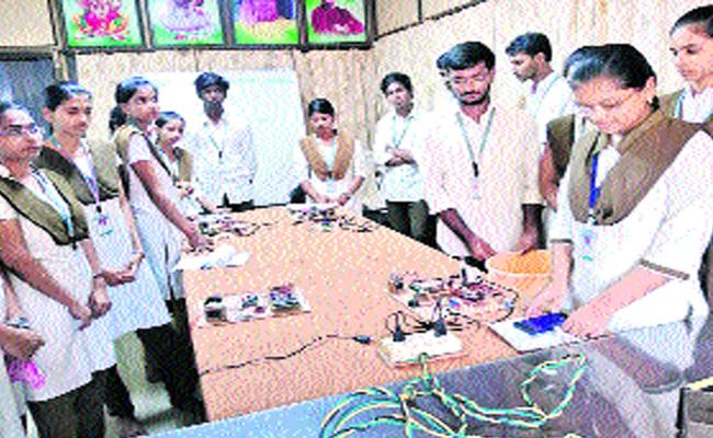 Engineering  Students Create Electronic Gadgets In Bhimavaram Institution - Sakshi