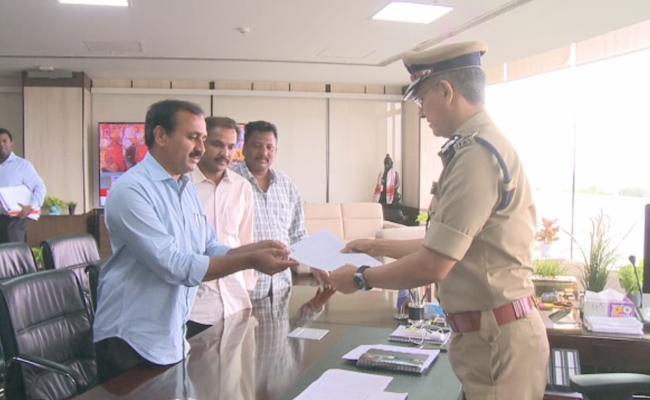 MLA RK Meets AP DGP Sawang, Complaint On TDP  - Sakshi
