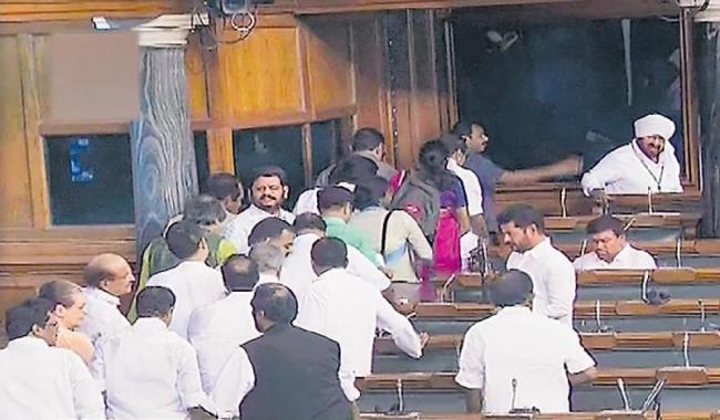 Protests over Karnataka crisis disrupt Parliament - Sakshi
