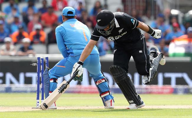 New Zealand Innings Of Semi Final Comes To An End Against India - Sakshi