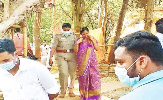 Wife Arrest in Husband Murder Case Tamil Nadu - Sakshi