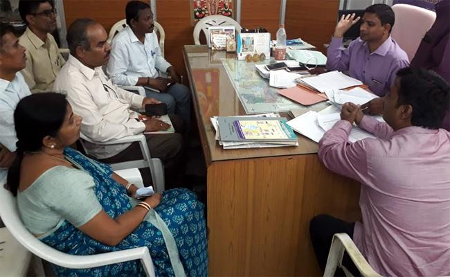 Government Teachers Demanding Promotions In Mahabubnagar - Sakshi