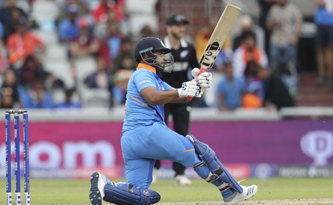 World Cup 2019 Santner Snares The Big Wicket of Pant - Sakshi