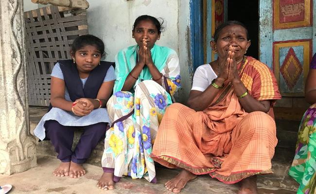Telangana Government have To Protect  Gulf Victims Of  Aadilabad - Sakshi