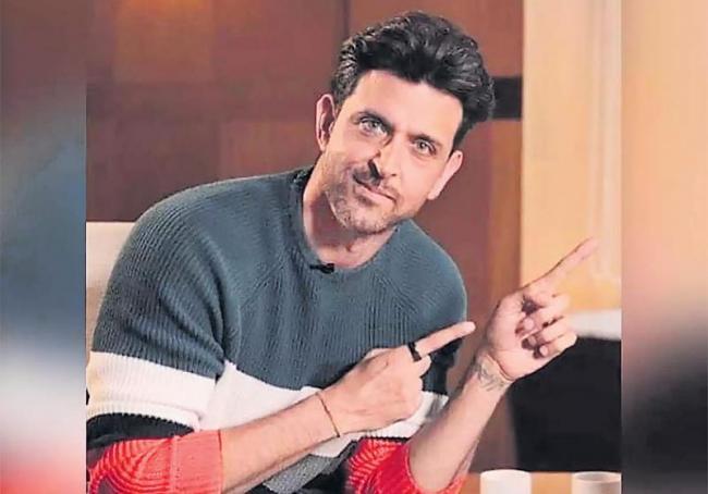 Hrithik Roshan, Deepika Padukone to come together for remake of Satte Pe Satta - Sakshi
