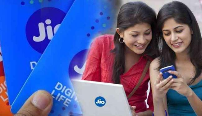 Reliance Jio A solid mobile network  with over 10k towers - Sakshi