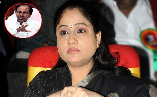 Vijayashanthi Comments On KCR over wasting public money - Sakshi
