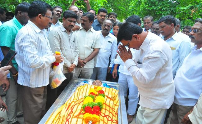 Mptc Commited Suicide  In Mahabubnagar - Sakshi