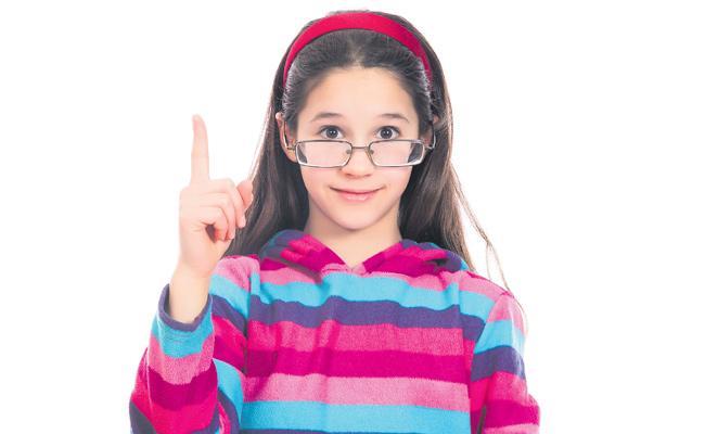 Eye Diseases in Children With Smartphones - Sakshi