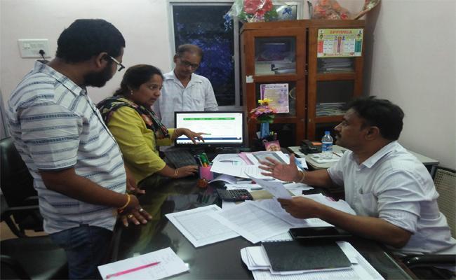 AP Village VOlunteers Interviews Started - Sakshi