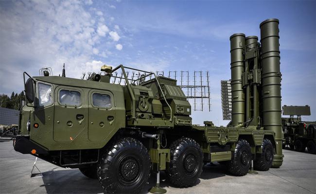 Russian Missile System S-400 Arrives in Turkey - Sakshi