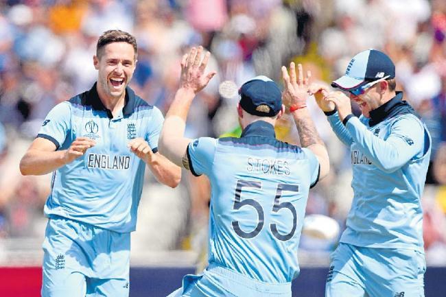 England beat Australia by 8 wickets - Sakshi