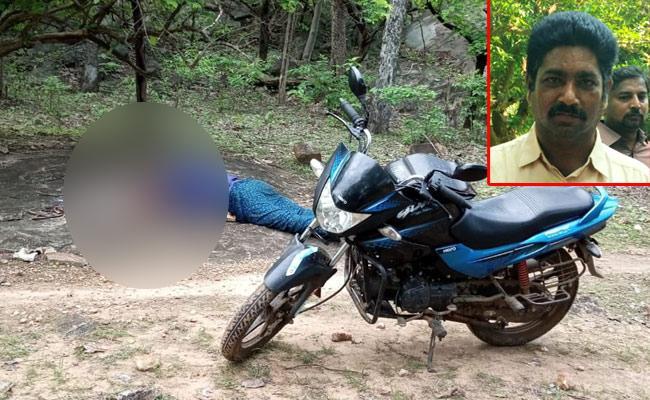 Maoists Murder TRS Leader In Khammam - Sakshi