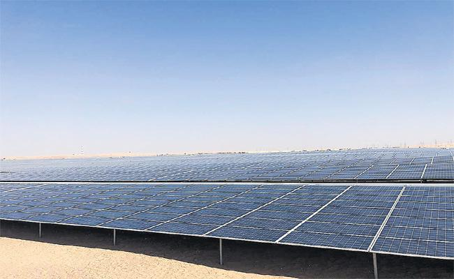 Abu Dhabi Record in Solar Power Plants Usage - Sakshi