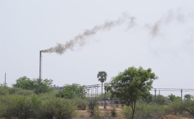 Huge Pollution In Nalgonda - Sakshi