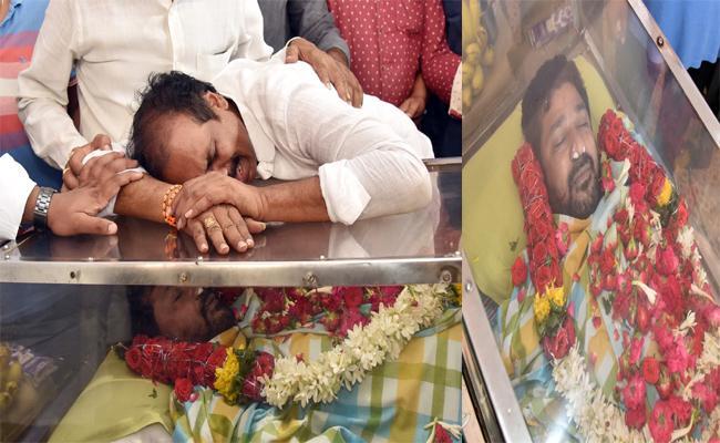 Minister Kurasala Kannababu Brother Died Of Heart Attack - Sakshi