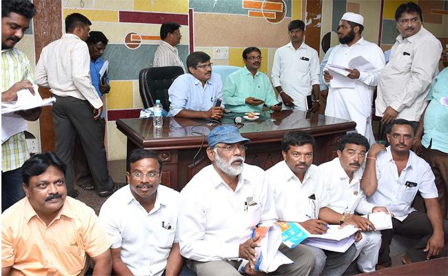 Political Parties Differ With Wards Reorganisation For Local Elections In Nalgonda - Sakshi