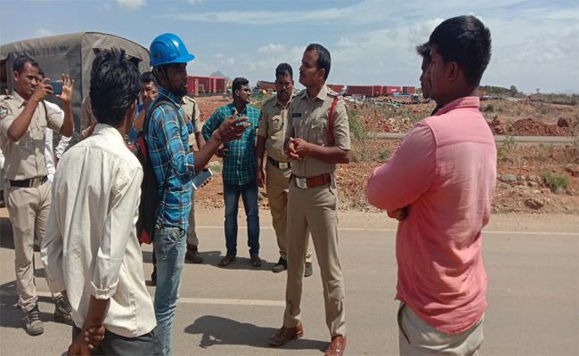 A Follower Of The TDP Leader Kandikunta Venkata Prasad Has Speaking Badly - Sakshi