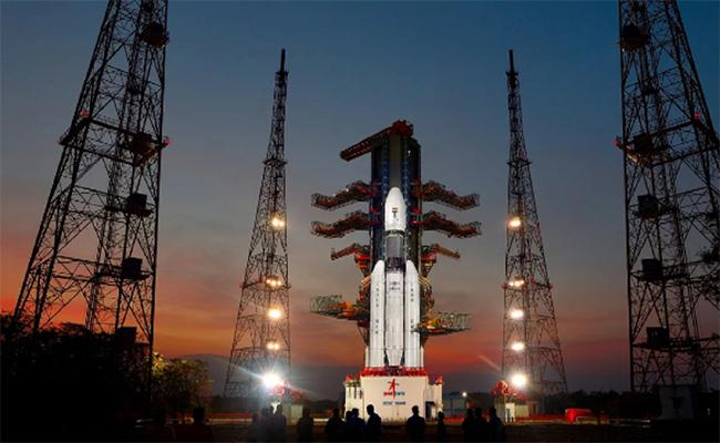 Chandrayaan 2 Experiment After Midnight Today - Sakshi