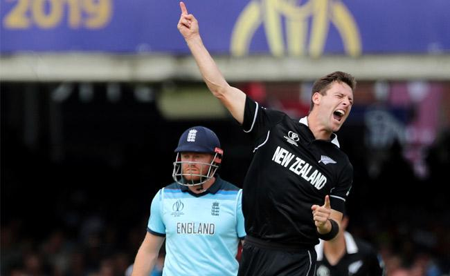 Matt Henry Most Wickets in Power Play in The World Cup - Sakshi