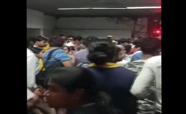 Passenger Dies After Hand Struck In Kolkata Metro Door - Sakshi