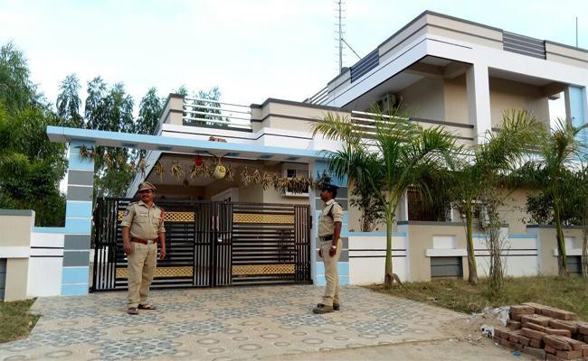 No Further Action Against Trade Broker Case In Razam - Sakshi